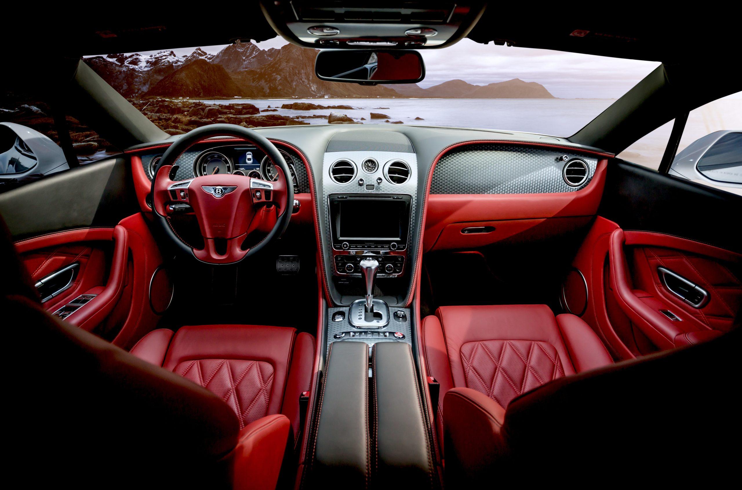 Luxusné auto